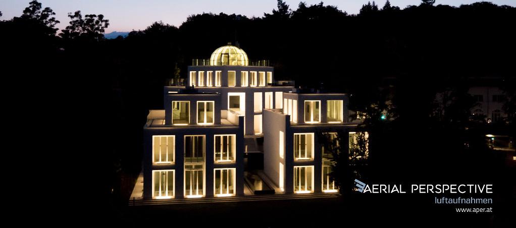 Haas Villa bei nacht